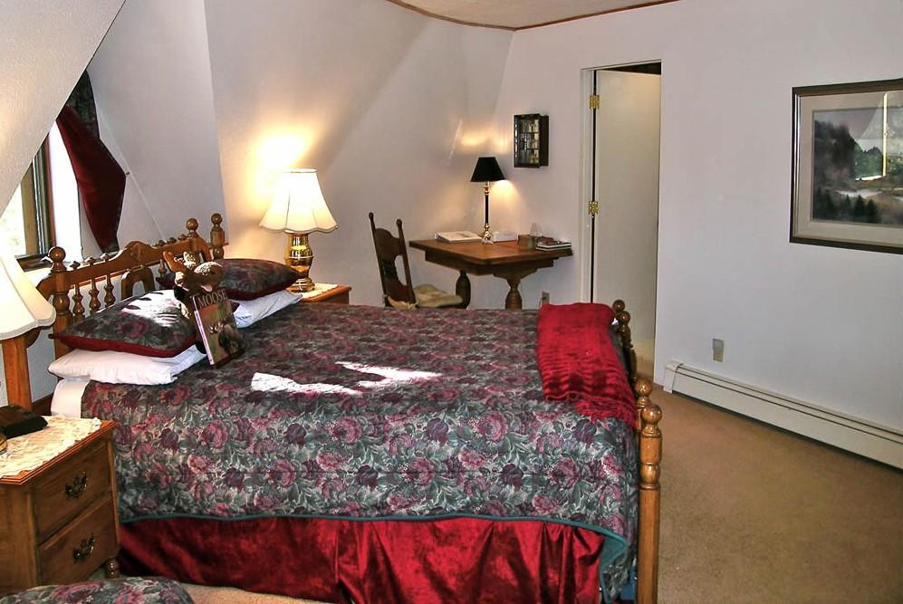 Denali B&B Room 1